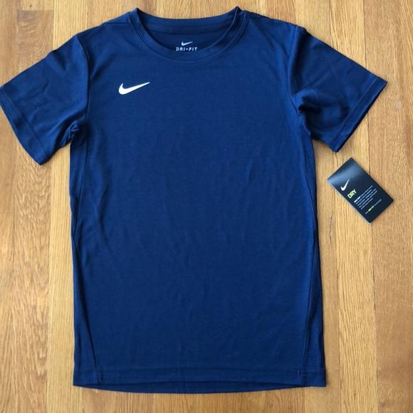 772afa67b Nike Shirts & Tops | Nwt Drifit Tshirt Size M | Poshmark